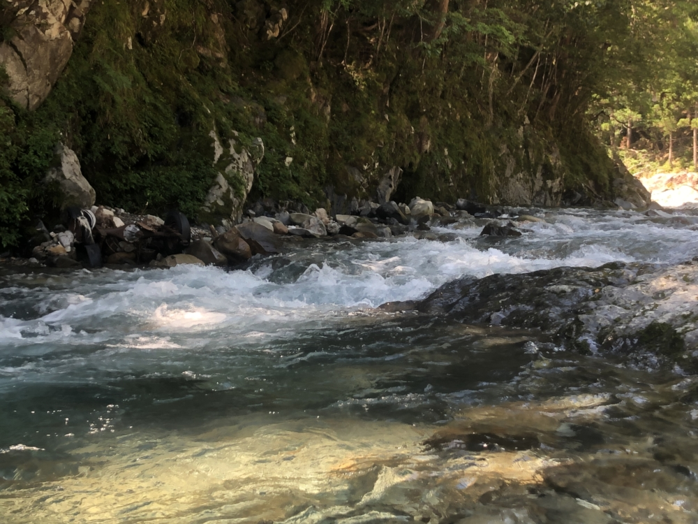 大塔川の瀬