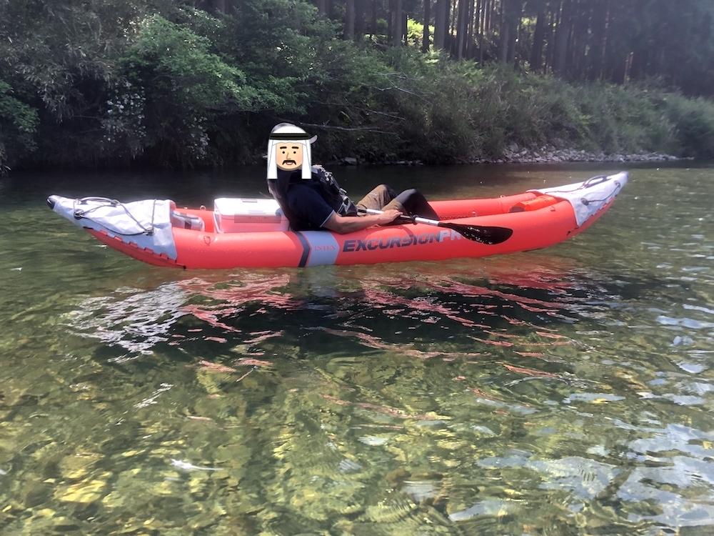 カヤックを漕ぐ