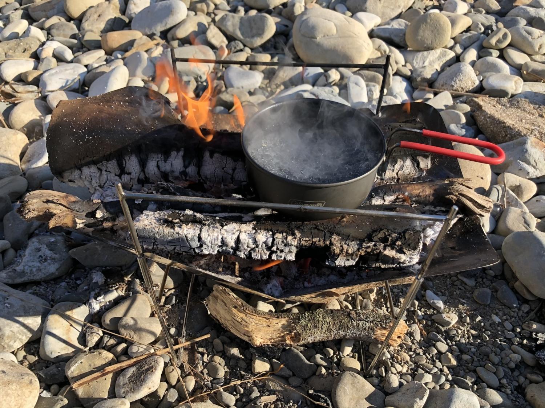 直火で湯沸かし