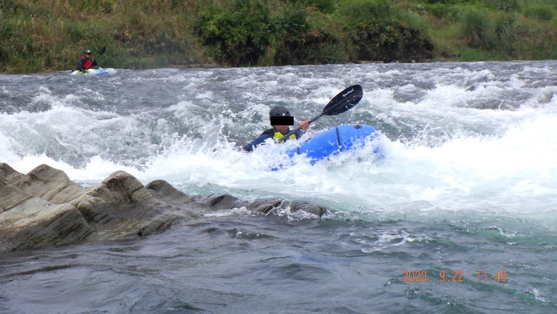 ナラヨシの瀬を漕ぐパックラフト