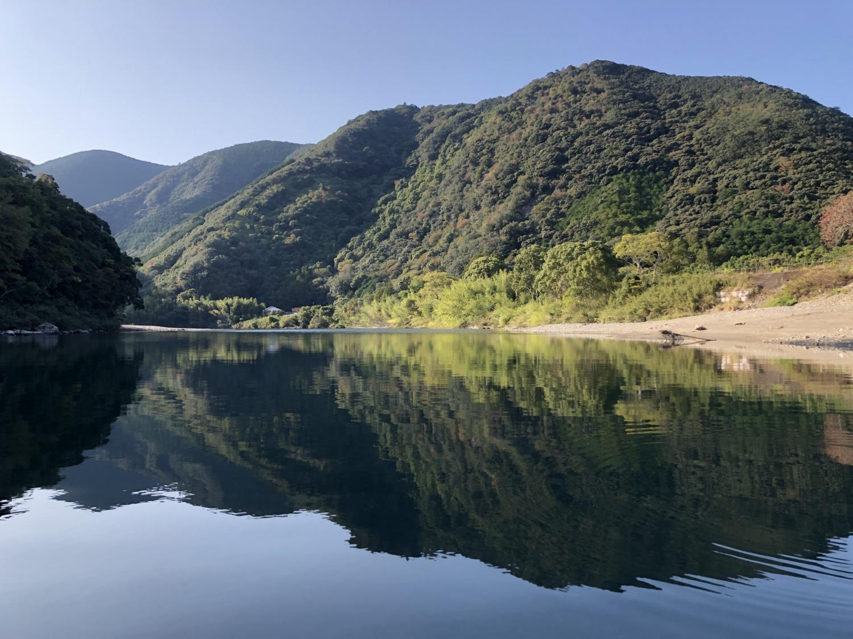 日置川の穏やかな流れ